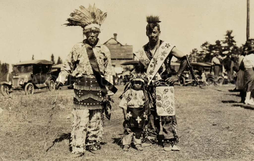 George Cumigo (left) and Charlie Congray (right), 1922.