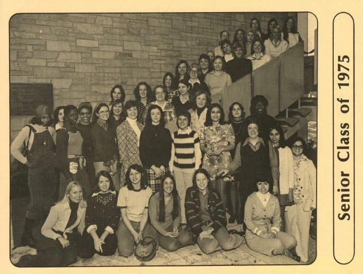 Group portrait of the senior class, 1975. Mount Mary College Archives.