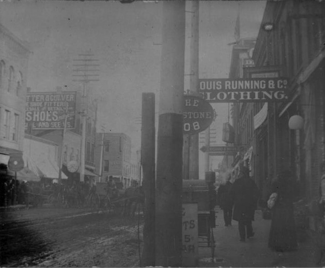 Barstow Street looking south, 1897-1902. Chippewa Valley Museum.