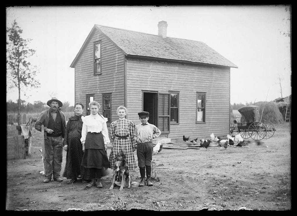 Farm family, Adams County, Wisconsin, 1910-1930. Photograph by Taylor Brothers. Murphy Library, University of Wisconsin-La Crosse.