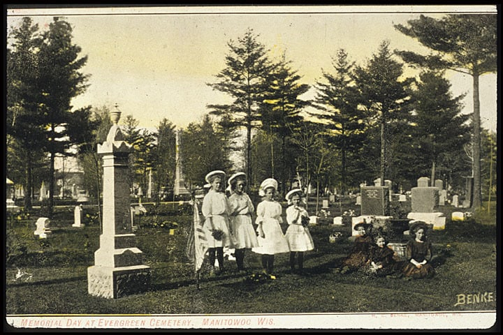 Memorial Day at Evergreen Cemetery, Manitowoc. Photo postcard by Hermann C. Benke. Manitowoc Local History Collection, Manitowoc Public Library.