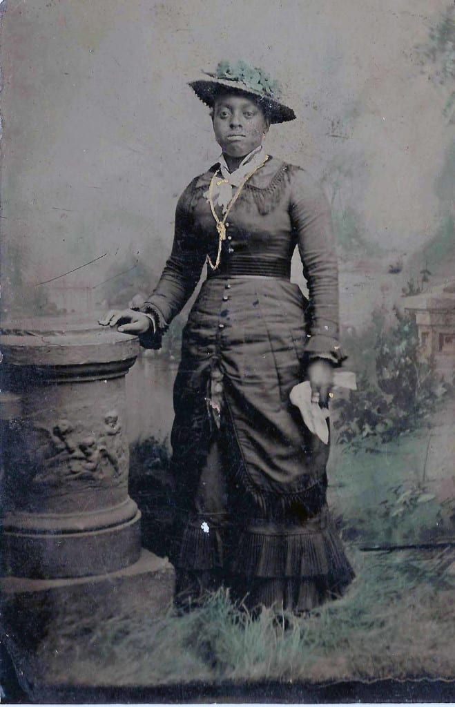 Portrait of an unidentified woman, Pleasant Ridge. Grant County Historical Society.