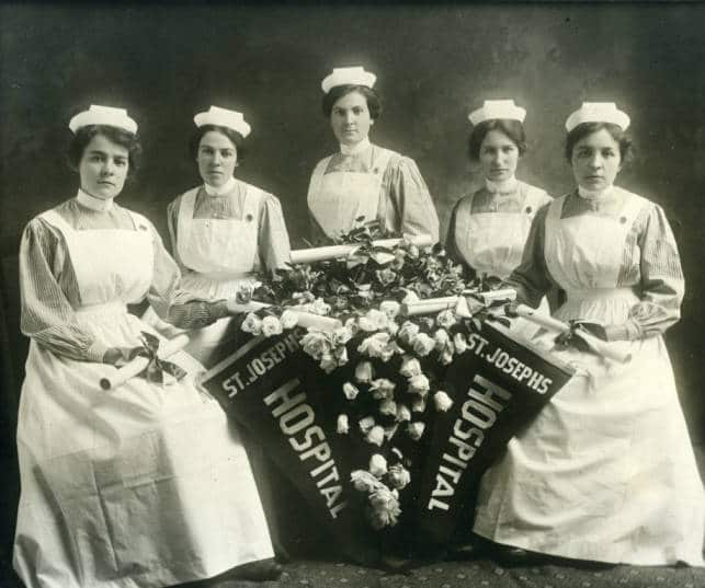 Class of 1915, St. Joseph's Hospital Training Program. Marquette University Archives.
