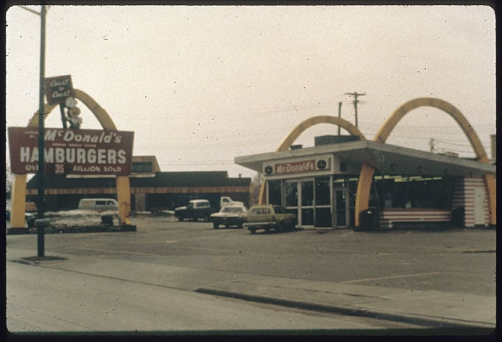 A McDonald's restaurant in Manitowoc. Manitowoc Public Library.