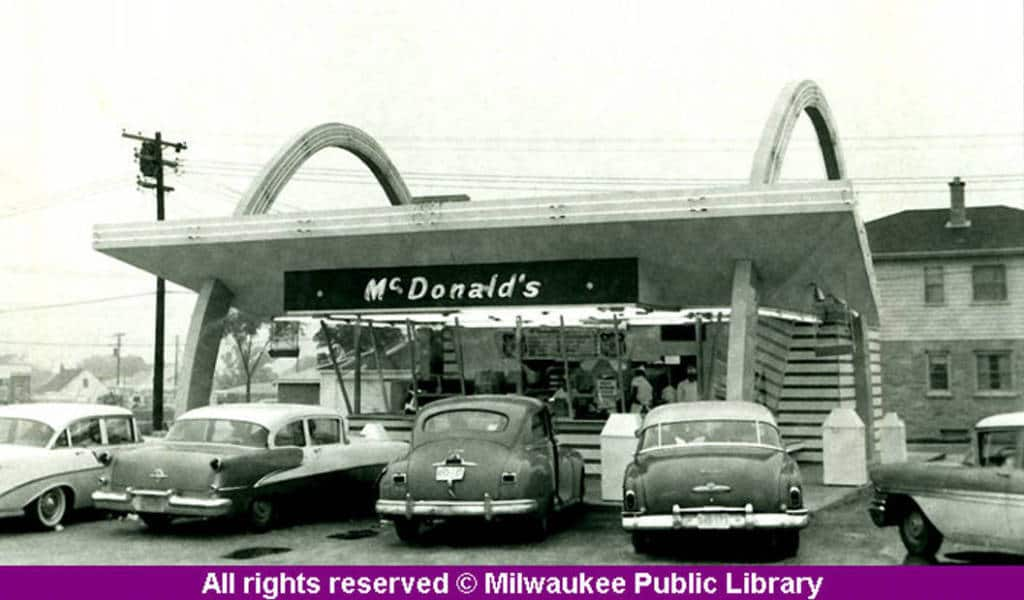 Milwaukee's first McDonald's, 1957. Milwaukee Public Library.