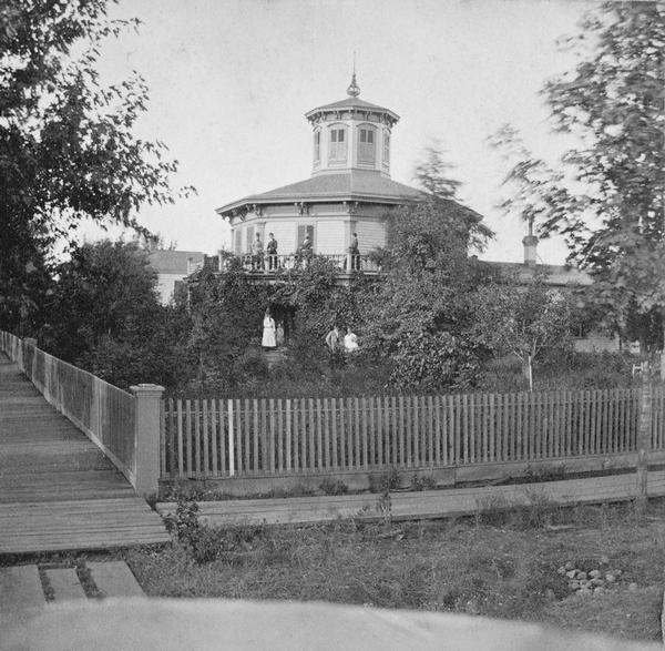 Octagon house in Hudson, constructed in 1855 for Judge John S. Moffat. The home, shown here around 1877, is now a museum operated by the St. Croix County Historical Society. Wisconsin Historical Images WHi-5671, Wisconsin Historical Society.