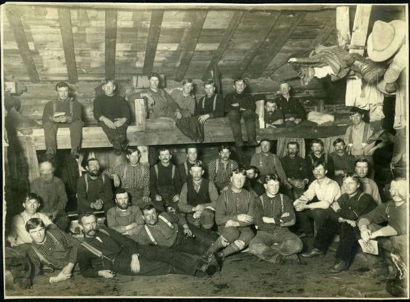 A logging crew inside the bunkhouse. Photo by Arthur J. Kingsbury. Langlade County Historical Society.